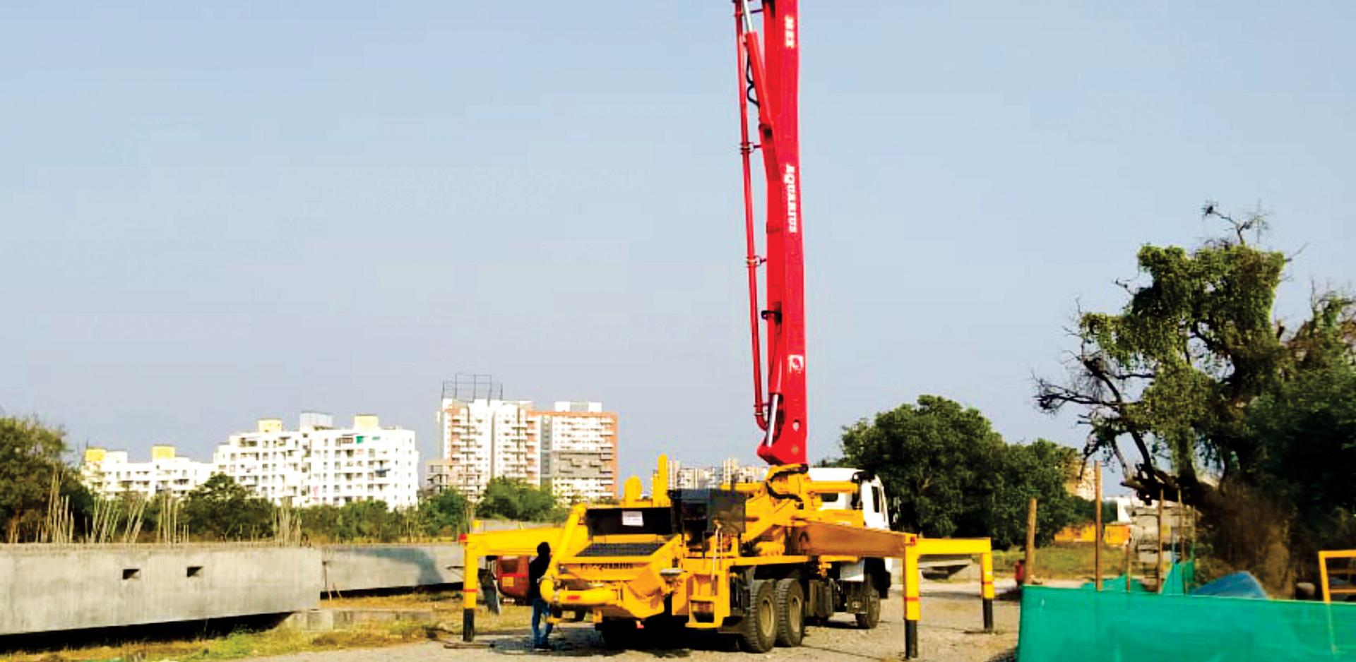 Aquarius 36.09 M Boom Pump working at Pune Metro Project