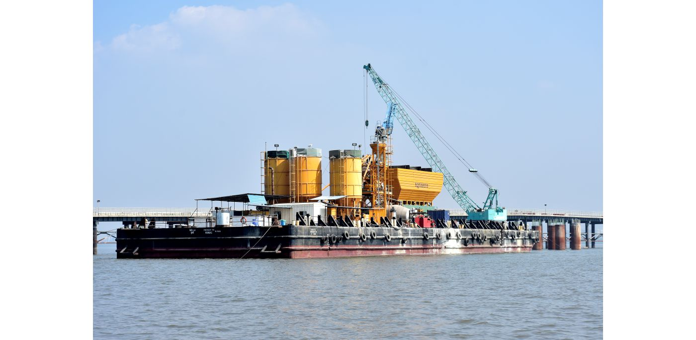 Barge Mounted Batching Plant for MTHL Project!